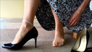 靴の中に空気を入れる様子