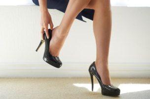 靴で決まる!!足の雑菌を繁殖させない方法