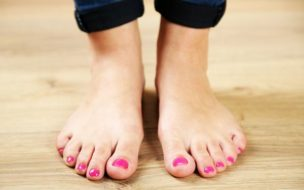 足の臭いの原因は、病気の可能性もある